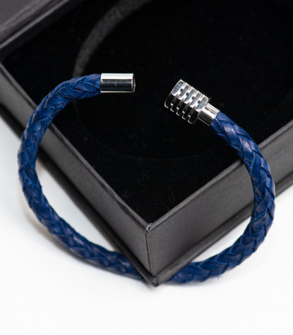 Braided bracelet with Blue Plain Clips